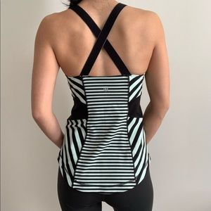 Lululemon Cross Back Built in Bra Workout Tank 6